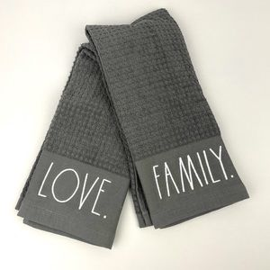 Rae Dunn Kitchen Towels 2 pc LOVE & FAMILY